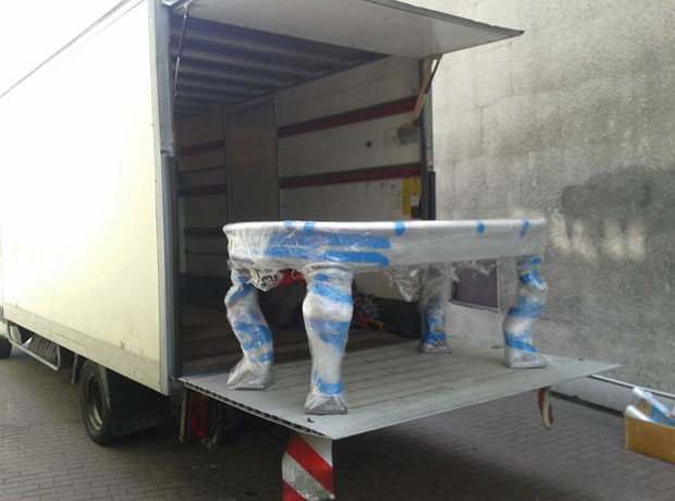 przeprowadzki-otwock-transport-mebli-pakowanie-rzeczy-winda-samochod